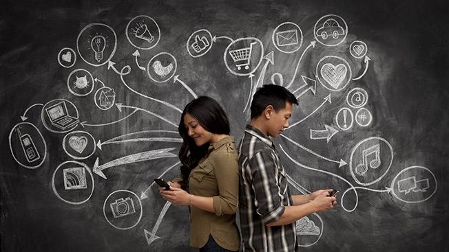 Decoding-women-social-media